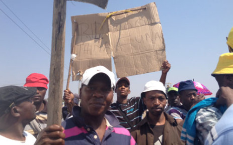 Anglo miners demonstrate over wages. Picture: Govan Whittles/EWN.