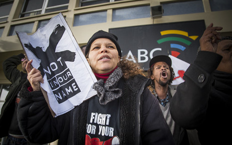 Right2Know campaigners join journalists at a protest against SABC censorship policies in front of the broadcaster's building in Sea Point, Cape Town, on 1 July 2016. Picture: Aletta Harrison/EWN.