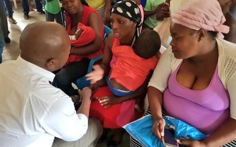 DA leader Mmusi Maimane visits KZN flood victims. Picture: DA.