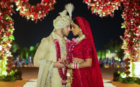 Priyanka Chopra Nick Jonas Celebrate Wedding At New Delhi Reception
