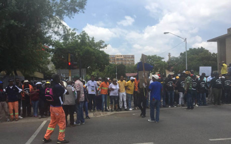 Protesters blocked roads in Tshwane on 26 January 2018. Marchers are complaining about the cancellation of the Extended Public Works Programme. Picture: Katleho Sekhotho/EWN