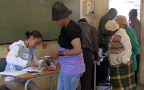 Some Diepsloot residents are making their way to voter registration stations in their area. Picture: EWN.