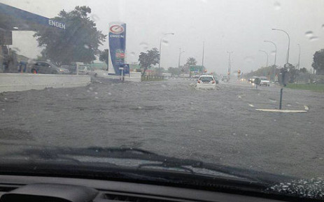 Roads flooded due to heavy rains in Edgemead, Cape Town on 28 August 2013. Picture: Glen De Goede/iWitness