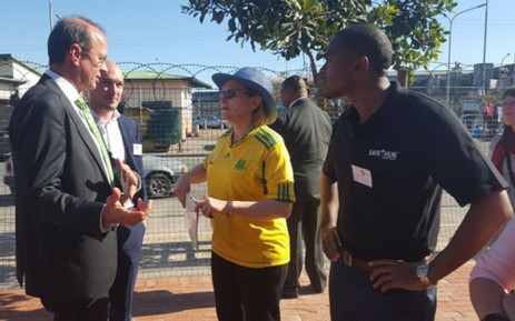 Premier Zille has been joined by various officials including Community Safety MEC Dan Plato and Social Development MEC Albert Fritz. Picture: Monique Mortlock/EWN