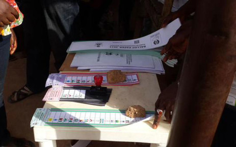 Nigerians vote in that country's presidential election on 28 March 2015. Picture: Samson Omale/EWN.