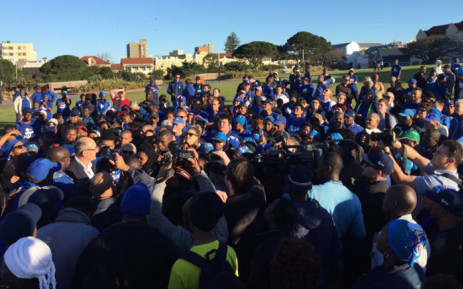 "Nelson Mandela Bay Mayor-elect Athol Trollip swamped by media and DA activists promises the city ""will be a better place"" in 10 years. Picture: Xolani Koyana/EWN."