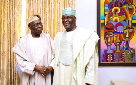 Former Nigerian leader Olusegun Obasanjo (left) meets presidential candidate Atiku Abubakar in the southwestern city of Abeokuta on 11 October 2018. Picture: @atiku/Twitter