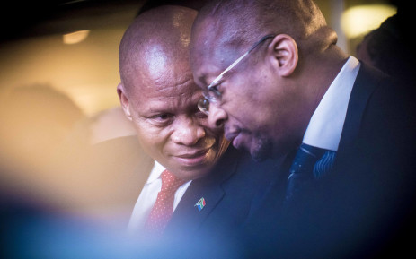 FILE:Chief Justice Mogoeng Mogoeng chats to Deputy Chief Electoral officer Sy Mamabolo. Picture: Thomas Holder/EWN.