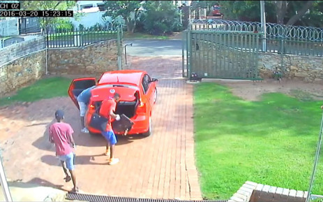 A video of five men robbing an Edenvale home in under five minutes has gone viral. Picture: Youtube Screengrab