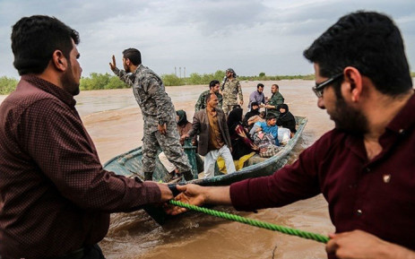 Iran's top commander visits flood-hit southern provinces