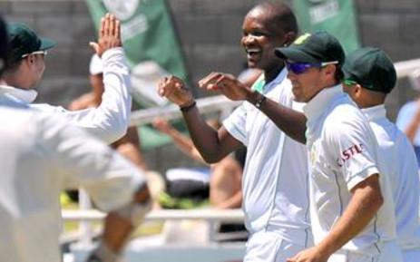 Proteas bowler Lonwabo Tsotsobe and his teammates. Picture: EWN