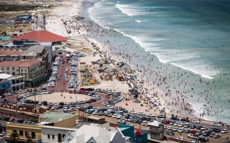 FILE. On Friday, Cabinet announced that regulations requiring biometric visas for tourists and unabridged birth certificates for children travelling to South Africa were being changed. Picture: Aletta Gardner/EWN.