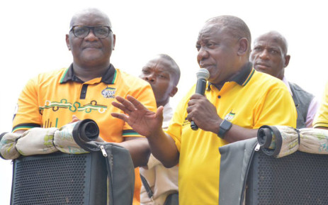 2bd3fafd4acb President Cyril Ramaphosa (right) and Gauteng Premier David Makhura on the  election campaign trail