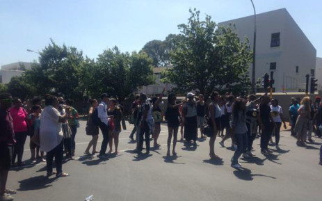 FILE: Protesting Maties students now blocking off several roads around the university. Picture: Shamiela Fisher/EWN.