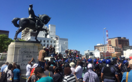 Speakers outside Parliament adamant government has money to support students. Picture: Xolani Koyana/EWN.