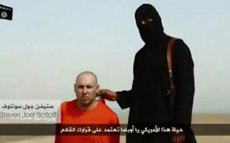 Mohammed Emwazi aka 'Jihadi John' is allegedly shown here with US reporter Steven Sotloff. Picture: Twitter.