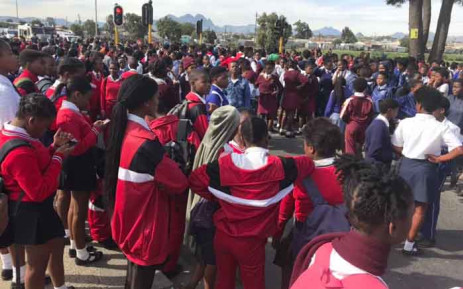 Old Paarl Road has been closed due to protests outside Bloekombos Secondary School in Kraaifontein on 16 May 2019. Picture: Lauren Isaacs/EWN