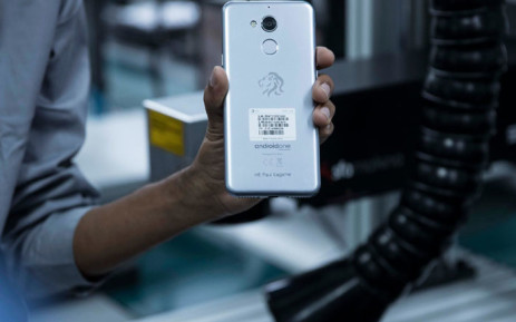 Kagame officially launches Africa' s first smartphone manufacturing plant in Rwanda