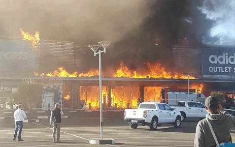 A fire broke out at the East Rand Retail Park on 26 July 2018. Picture: Benoni CPF Sector 3/Facebook.