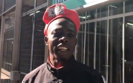 An MDC Alliance supporter says his party will win the election. Picture: Masechaba Sefularo/EWN.