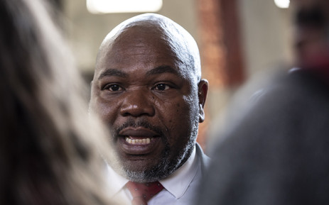 Mxolisi Nxasana speaks to the media after the Constitutional Court ruling on 13 August 2018. Picture: Kayleen Morgan/EWN