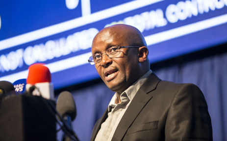 IEC CEO Mosotho Moepya addresses the media during a local government election update briefing at the IEC National Results centre on 4 August 2016. Picture: Reinart Toerien/EWN.