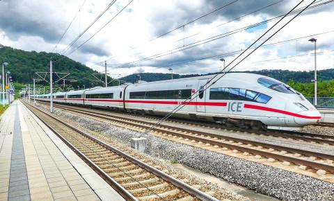 High speed rail pixabay