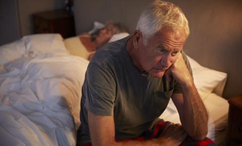 mental-health-stress-worry-anxiety-insomnia-sleep-couple-old-man-bed-123rf
