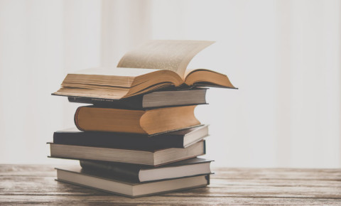 books-reading-literature-novel-textbook-education-123rf