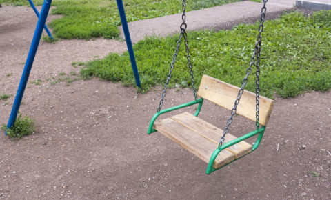 empty wooden swing playground missing child children 123rf