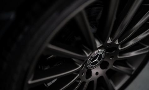 Mercedes logo wheel pixabay