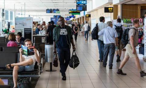Cape Town International Airport-flight-passengers-travel-airline-tourism-123fjpg