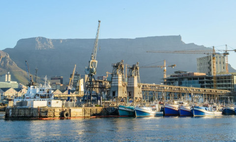 boats-in-cape-town-harbourjpg