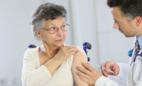 Doctor vaccine elderly woman senior covid-19 vaccine vaccinate 123rf