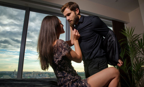 couple-affair-cheating-relationship-sex-lovers-man-woman-bed-123rf