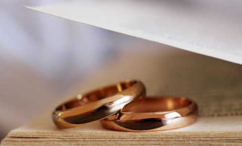 wedding-ring-band-vows-marriage-couple-matrimony-anniversary-123rf