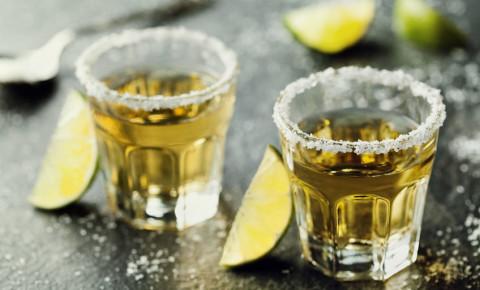 shots-tequila-alcohol-drinks-bar-club-party-booze-pub-123rf