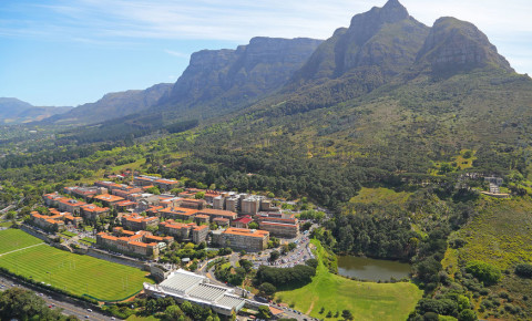 Rhodes Memorial University of Cape Town UCT USB Table Mountain 123rf