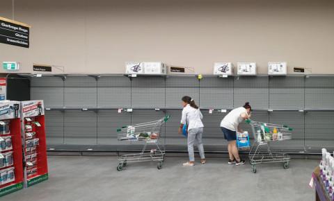 Australia Aussies toilet paper panic buying stockpiling 123rf 123world