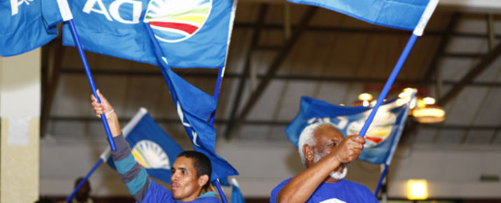 FILE: Democratic Alliance supporters chant as election fever continues in Cape Town on 7 May 2014. Picture: Amanda Moore/EWN.