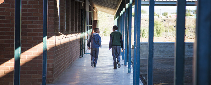 FILE: Carnarvon Primary pupils make their way to the school kitchen. The school feeding scheme's efforts are to alleviate pupil's hunger. Picture: Thomas Holder/EWN