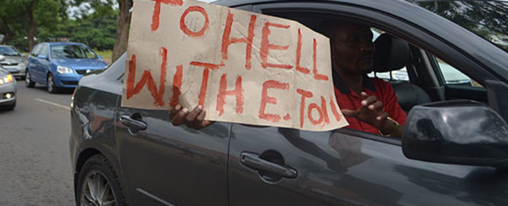 FILE: A motorist expresses his views regarding the e-toll system. Picture: EWN
