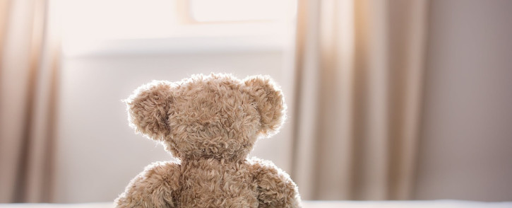 teddy-bear-toy-bed-childhood-pexels-photo-jpeg