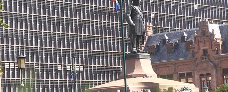 A group of Afrikaners protested against the removal of a statue of Paul Kruger in Pretoria's Church Square on 8 April 2015. Picture: Reinart Toperien/EWN