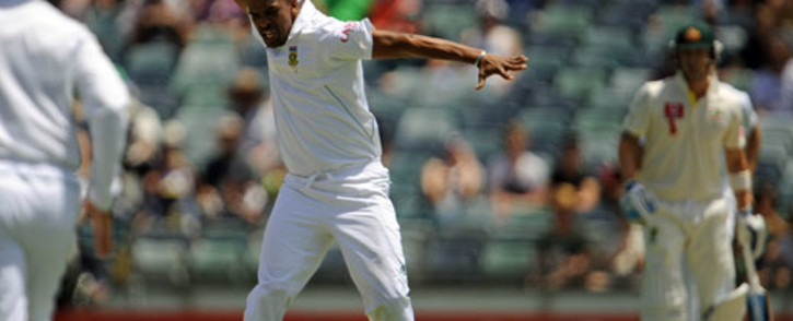 SA's Vernon Philander (C) celebrates after he dismissed Australian batsman Ricky Ponting on day two of the third cricket Test between South Africa and Australia at the WACA ground in Perth on December 1, 2012. Picture: AFP