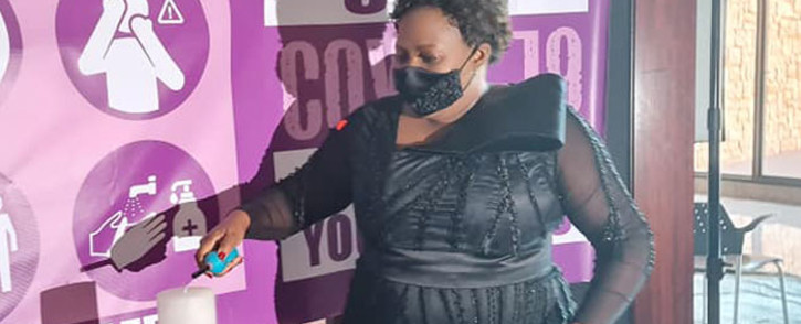 Mpumalanga Premier Refilwe Mtsweni-Tsipane lights a candle in memory of the province's coronavirus victims ahead of her State of the Province Address on 5 March 2021. Picture: @MPGov/Facebook