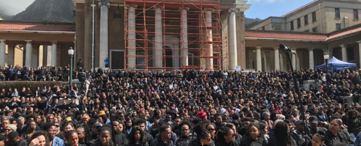 Thousands of UCT students, staff and others filled the Sarah Baartman Plaza on campus for a memorial service held for slain student Uyinene Mrwetyana on 4 September 2019. Picture: Lizell Persens/EWN