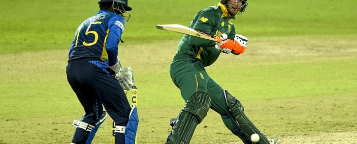 South Africa's Heinrich Klaasen (R) plays a shot as Sri Lanka's wicketkeeper Minod Bhanuka watches during the second one-day international (ODI) cricket match between Sri Lanka and South Africa at the R. Premadasa Stadium in Colombo on September 4, 2021. Picture: Ishara S. Kodikara / AFP.