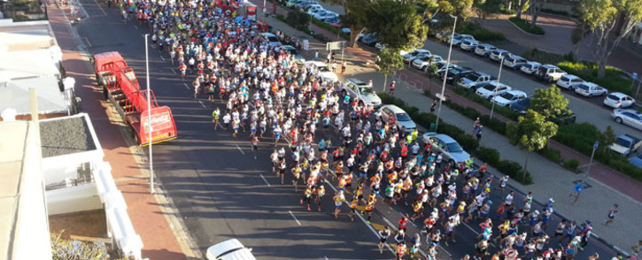 Thousands of runners take part in the 2014 Cape Town Marathon. Picture: Lindiwe Mlandu/EWN