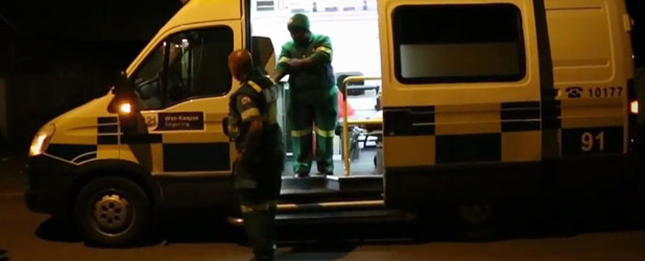 FILE: Paramedics attend to a patient in Cape Town, Western Cape. Picture: EWN